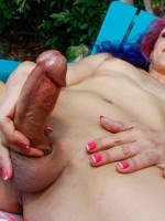 Keli Lox shows off her big hard dick at shemaleyum.com