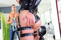 Brazilian TS sex star Bianka Nascimento makes her debut for Joey Silvera